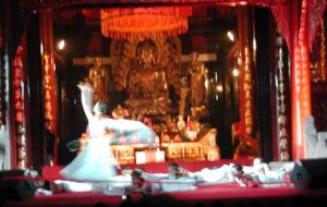 dancind in Daci temple